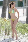kelly-brook-bikini-39.jpg