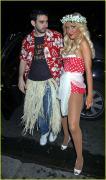 09-christina-aguilera-hawaiin-outfit.jpg