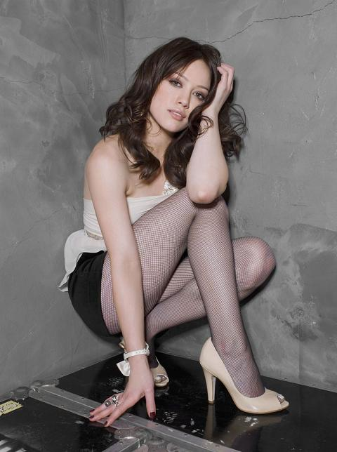 hilary-duff-new-pictures-01.jpg