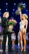 pamela_anderson-the_opening_night_performance_of_magician_hans_klok47s_the_beauty_of_magic_show-07_122_1047lo1.jpg