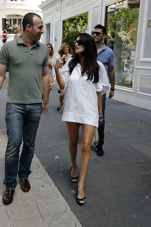 20070713-penelope_cruz_short_dress5.jpg